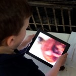 What we know about tablets and how your child learns to read